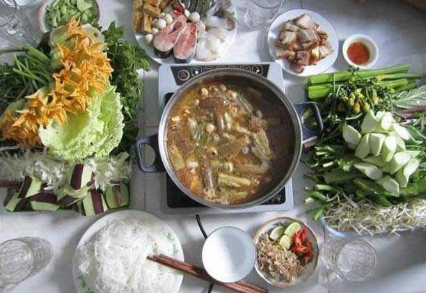 Món ngon Cà Màu: Lẩu mắm U Minh.