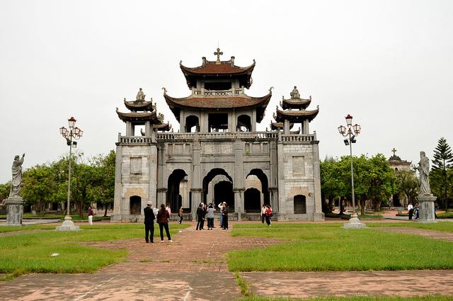 Nhà thờ đá Phát Diệm Ninh Bình