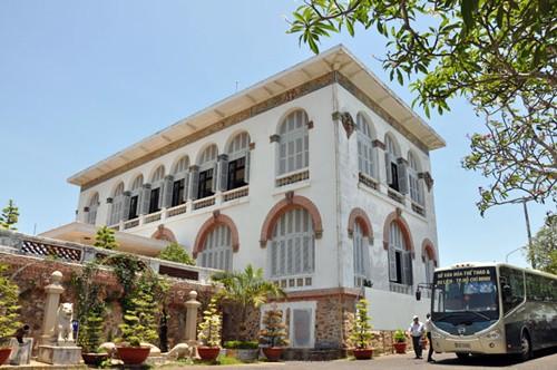 Kiến trúc độc đáo Bạch Dinh - Vũng Tàu