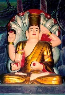 Tượng phật 4 tay chùa Linh Sơn Ba Thê