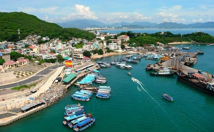 Tham quan cảng Cầu Đá - Vũng Tàu